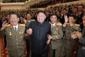 شاهد كيف احتفل زعيم كوريا الشمالية مع علمائها النوويين